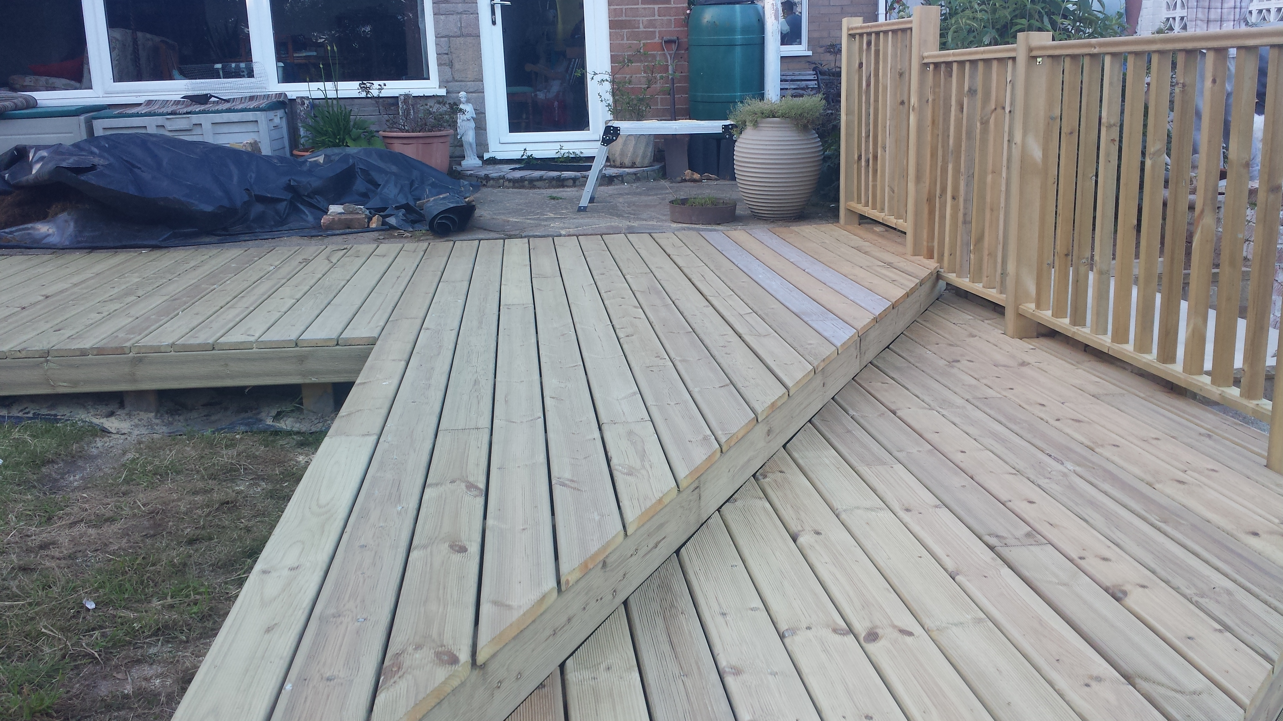 Fencing norwich norwich decking co from the moment you call us we can answer any questions and give advice on the best options for you our team is fully trained to assist you with the baanklon Choice Image